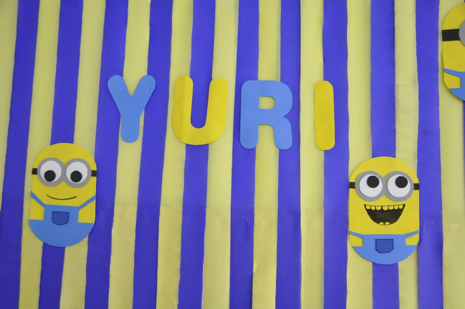 painel-papel-crepom-minions