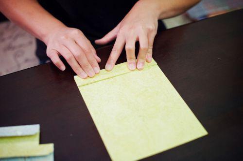 como-fazer-roseta-de-papel
